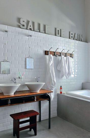 Salle de bains blanc 20 photos d co tr s inspirantes - Synonyme de salle de bain ...