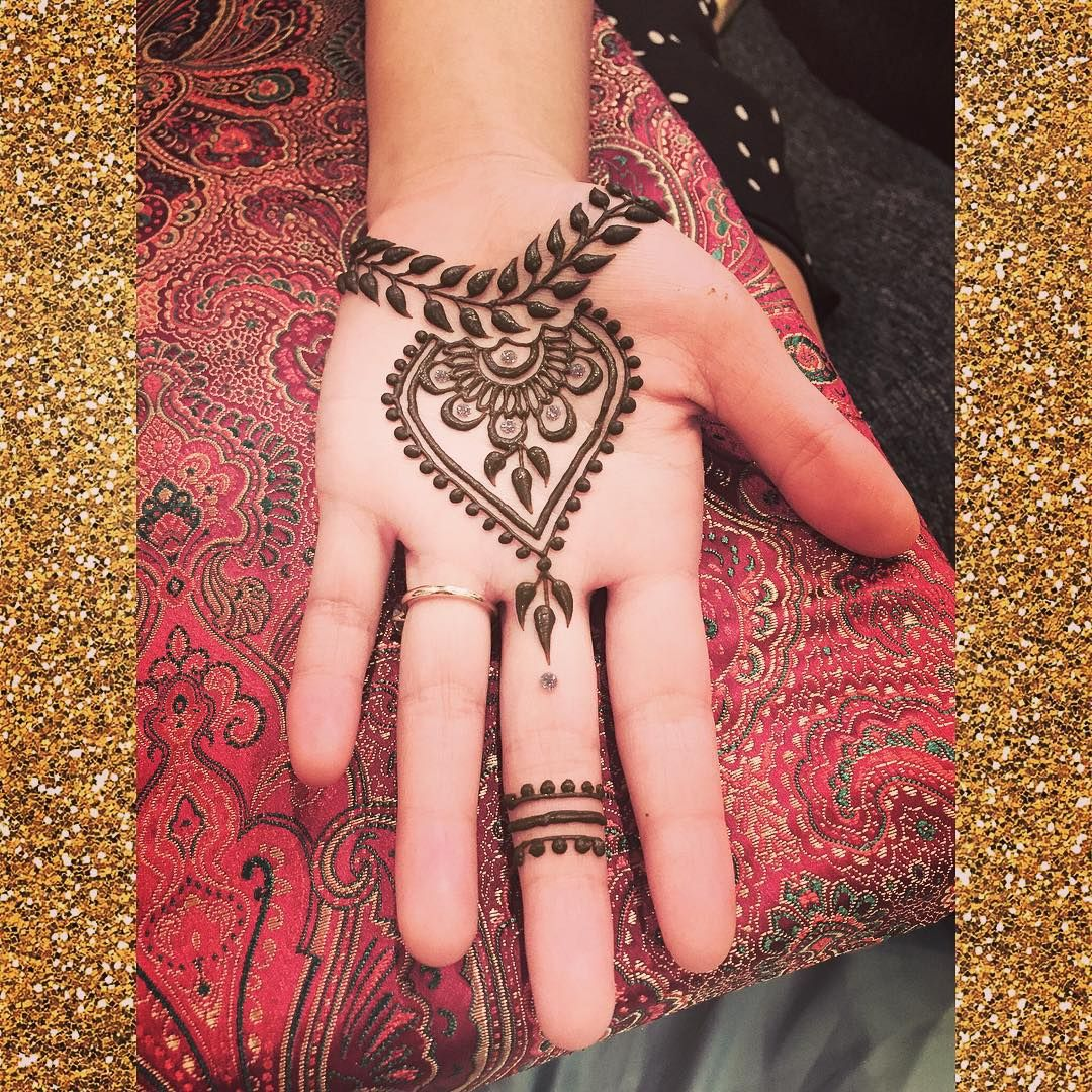 Pin By Mrs Jafri On Henna Gelang Pinterest