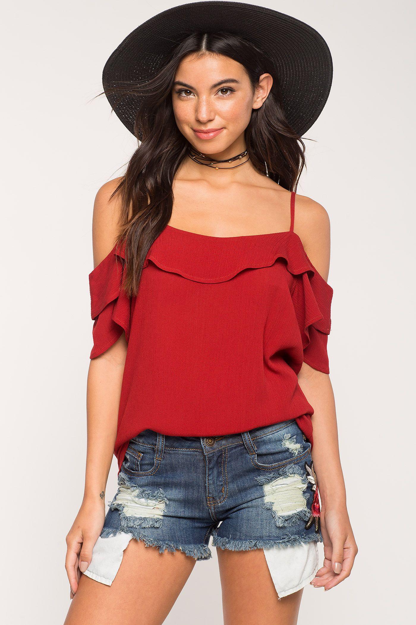 15ab0764bdb1 blusas de las mujeres | Top hombros volante fría | A'Gaci | Blusas ...