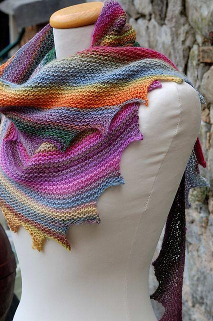 J\'ai vraiment apprécié cette écharpe faite à tricoter. coloré et ...