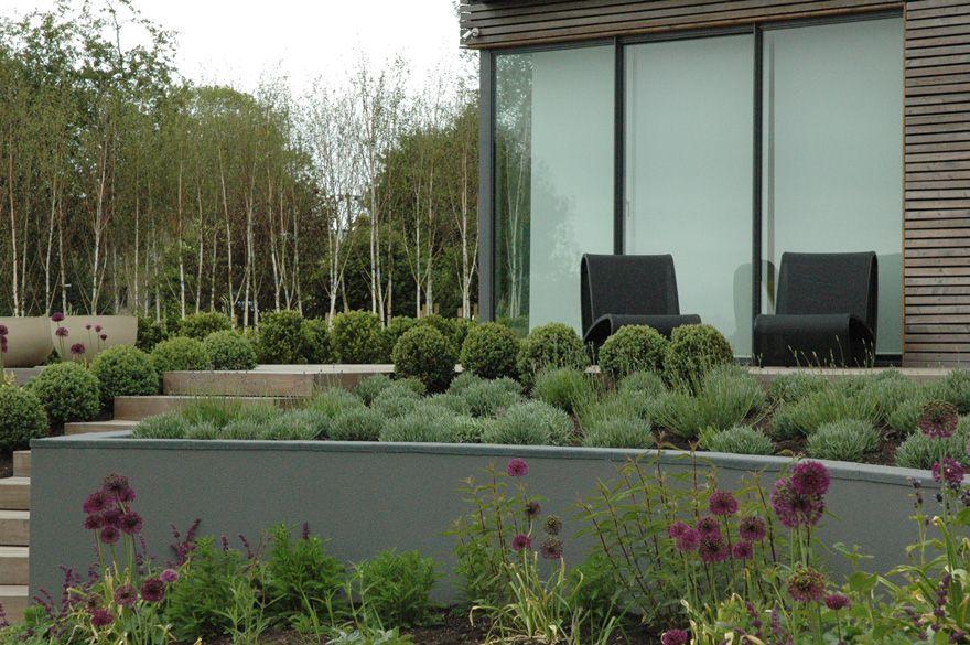 Contemporary Naturalistic Garden Russells Water Green Room