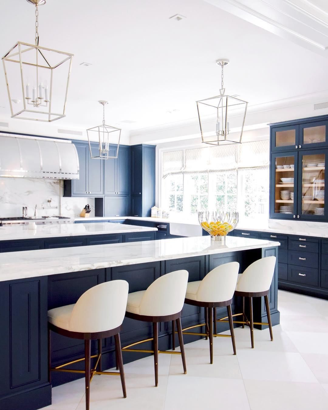 Luxurious and livable kitchen designed by @laurauinteriordesign ...