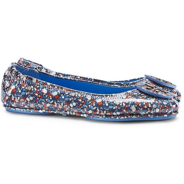 Tory Burch Logo Minnie Festival Travel Ballet Flats, Patent Leather ($250) ❤ liked on Polyvore featuring shoes, flats, linosa red blue combo d, red flats, ballet shoes, tory burch flats, red patent flats and ballerina pumps