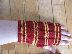 Ravelry: HP House Wrist Warmers pattern by Tracy Hollis