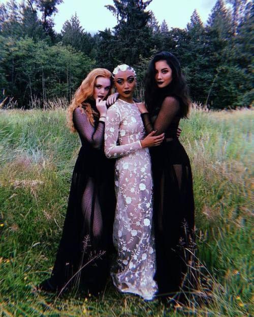 st. blonde ✞ - Farah's Secret World #spookyoutfits