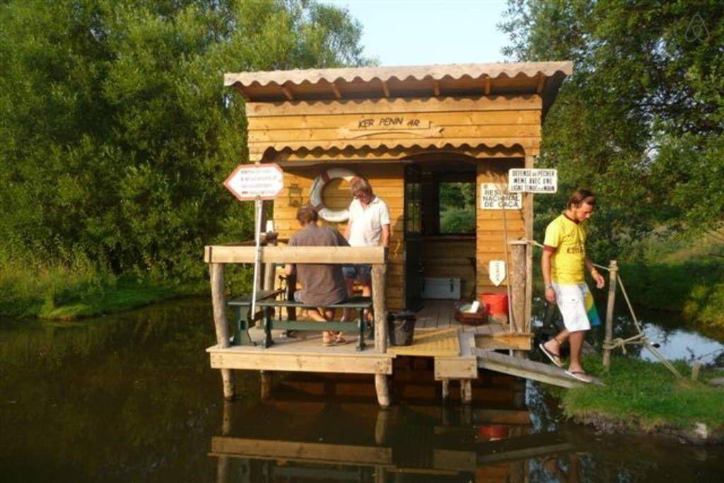 cabane sur pilotis cabane pinterest cabane sur pilotis cabanes et abris de jardin. Black Bedroom Furniture Sets. Home Design Ideas