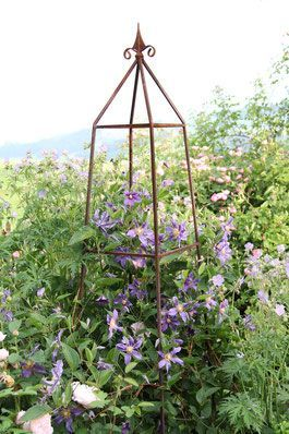 obelisk rankhilfe kletterhilfe gartendeko clematis kletterrosen geschmiedet edelrost. Black Bedroom Furniture Sets. Home Design Ideas