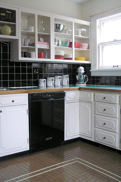 Kitchen Facelift=complete (kinda) By Annalea Hart, Via