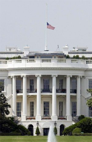 Why Are Flags Flown At Half Staff In Times Of Mourning White House Moving House Day Of Death