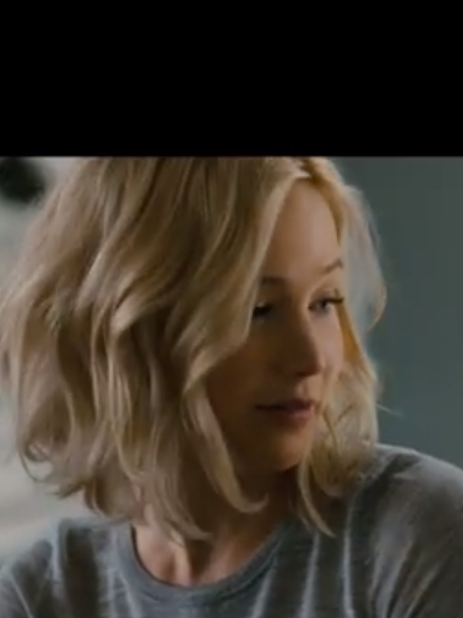 Jennifer Lawrence in Passengers. Love her hair. Obviously ...