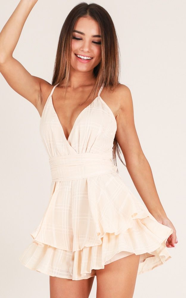 Passing By Playsuit In Beige Produced - Vintage dresses casual, Pretty dresses, Cute formal dresses, Casual dresses plus size, Fashion, Girls casual dresses -  5ft 4in