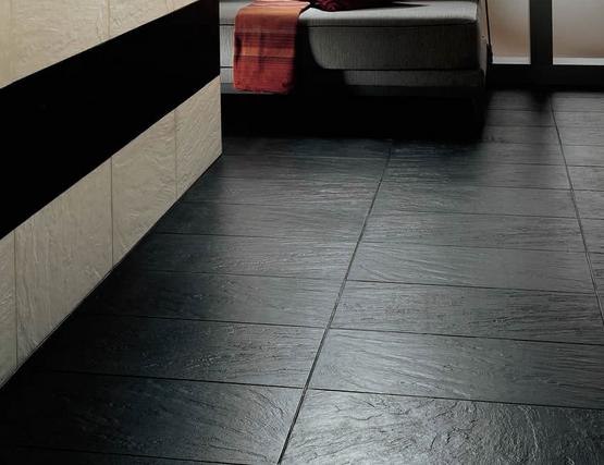 ob garten oder innenbereich die sch nheit von schiefer fliesen beeindruckt auch noch nach. Black Bedroom Furniture Sets. Home Design Ideas