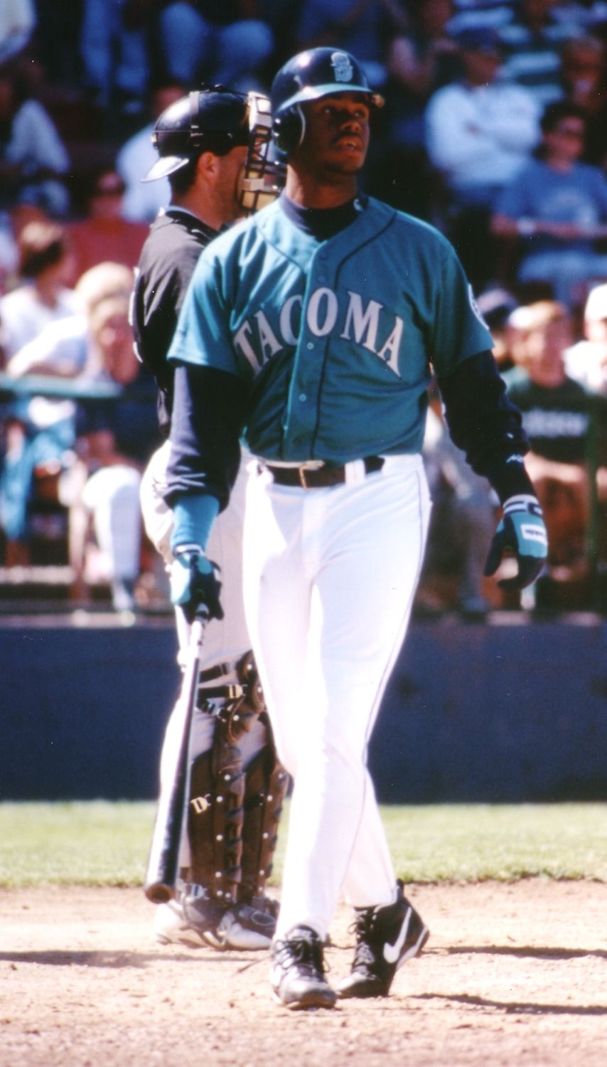 On August 13 1995 An Overflowed Crowd At Cheney Stadium Roared As Ken Griffey Jr Played A Rehab Game With Seattle Sports Mariners Baseball Seattle Mariners