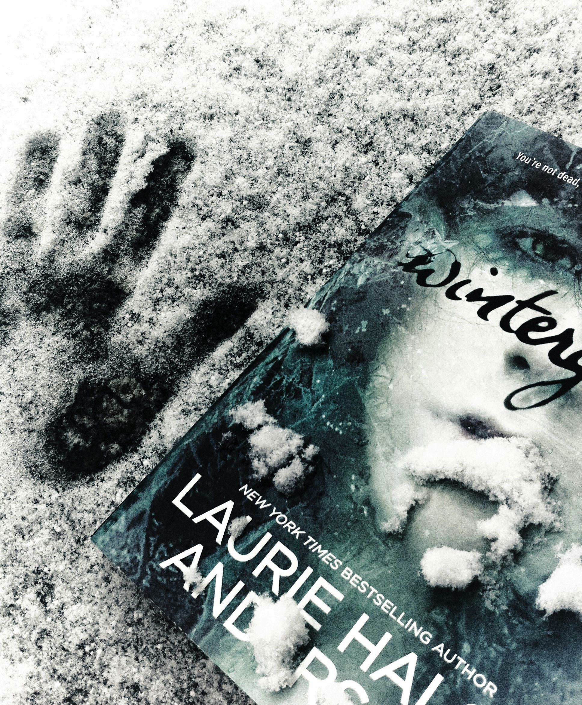 I don't usually do teen lit. But Laurie Halse Anderson's Wintergirls is about anorexy and I just had to read it. Well, as expected, I didn't love it but it was okay. A little bit too bitter and sensational, but Anderson also describes the mind of the anorectic very well. Healing is a long process and cannot be forced.