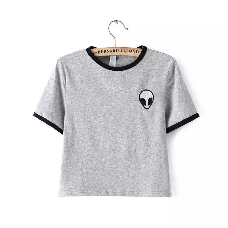 Encontrar Más Camisetas Información acerca de Nuevas mujeres calientes tops  bordado diseño Aliens camisetas mujer manga corta t shirt femeninos cómodos  ... 70367cfb817f6