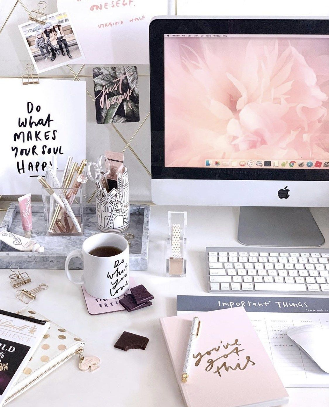 Setup – Girly – ONE PIXEL UNLIMITED   Work office decor, Office ...