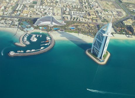 An aerial view of the gorgeous, man-made Dubai waterfront.