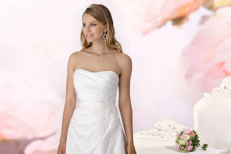 Wedding dress Lanie from the Affinity collection