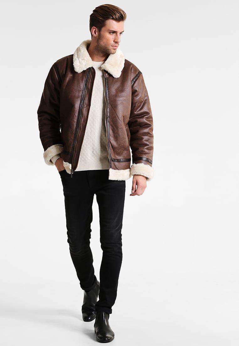 d8c48b1a9bf ¡Consigue este tipo de chaqueta de cuero de Alpha Industries ahora! Haz  clic para