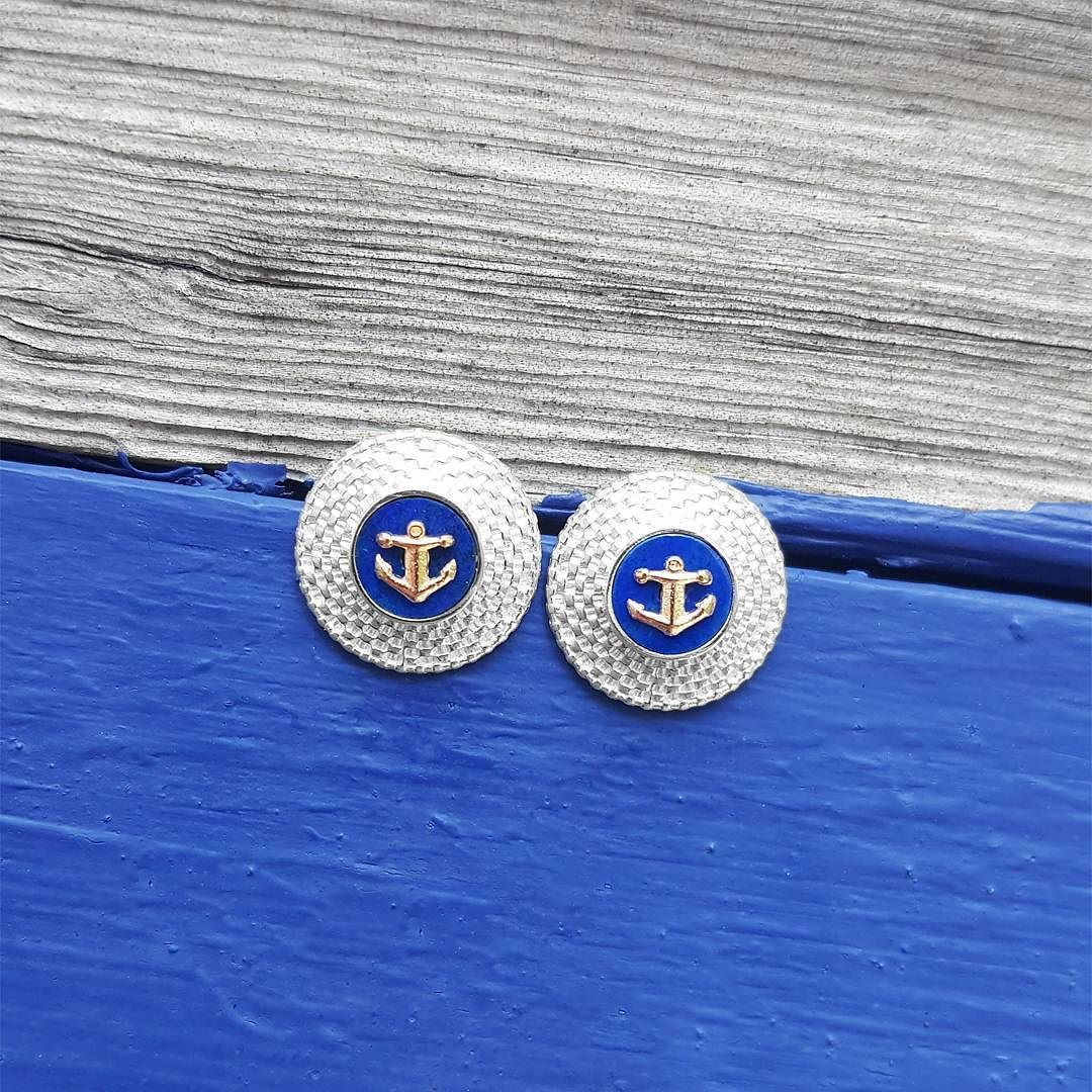 Oh how nautical!  Nantucket basket earrings with lapis as blue as the ocean (your choice of appliqué). . . . #fb #tw