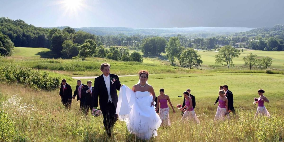 Deer Ridge Golf Club Weddings - Price out and compare wedding costs for wedding ceremony and reception venues in Bellville, OH