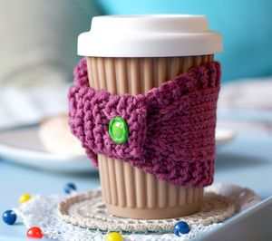 This Cute Knitted Cup Cosy Is Guaranteed To Keep Your Brew Warm