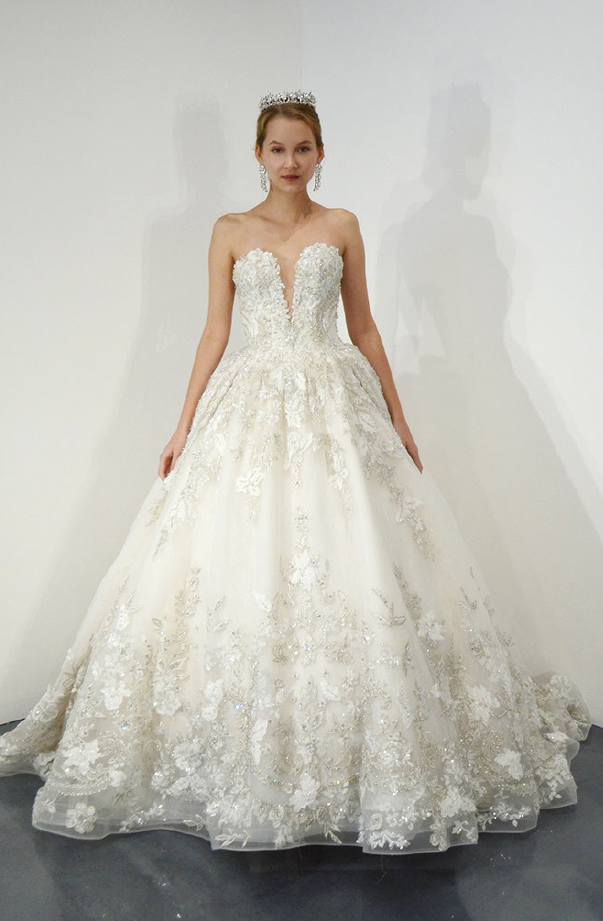 Strapless Beaded Lace Sweetheart Neck Ball Gown Wedding Dress Ysa Makino Style Ball Gown Wedding Dress Wedding Dresses Strapless Wedding Dresses Kleinfeld