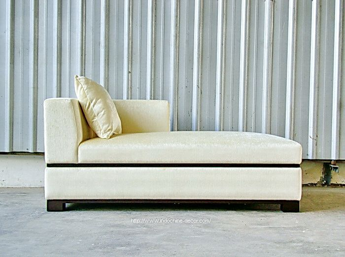 Bari Chaise A moderne chaise design. Simple classic elegance ...