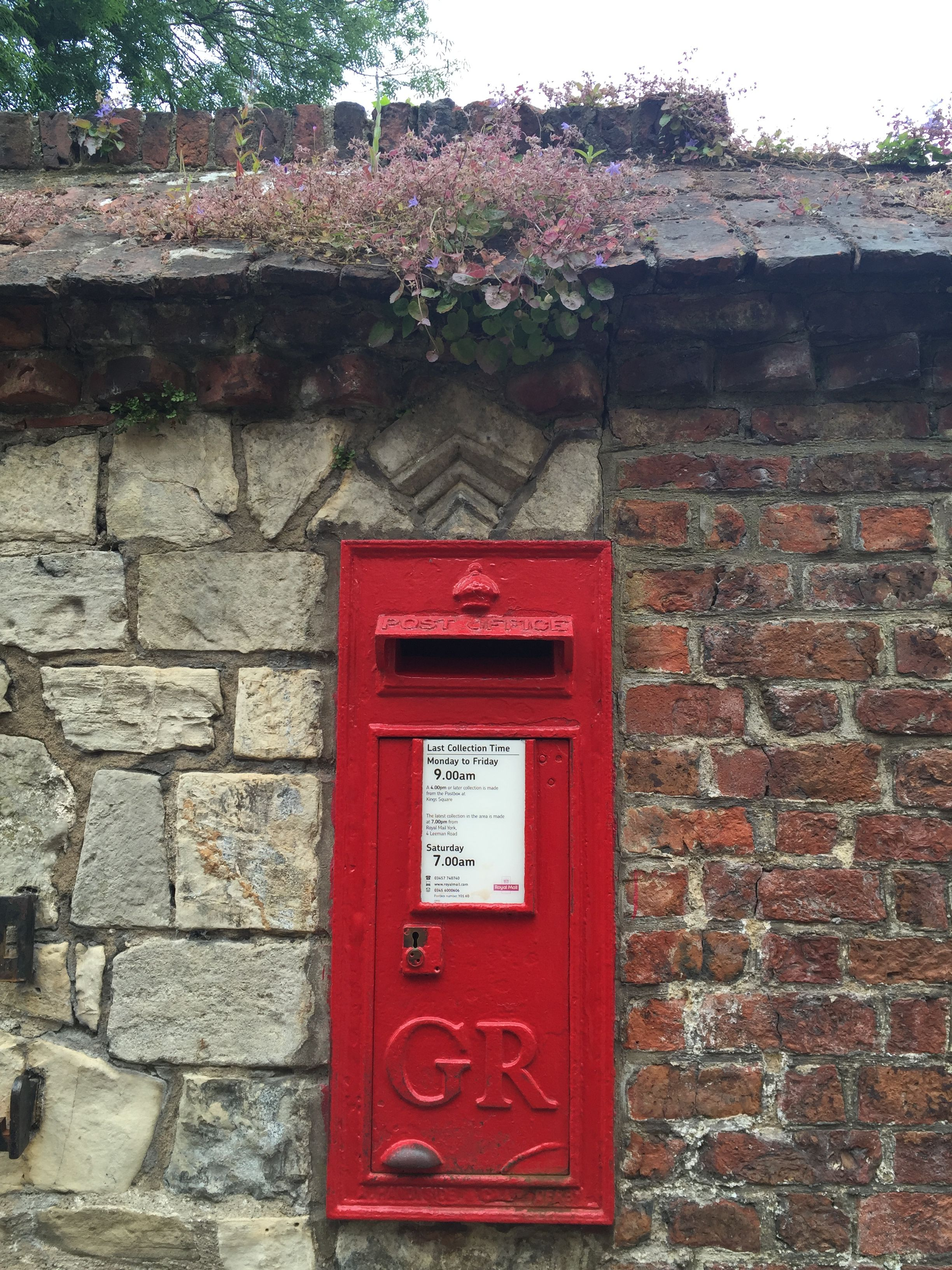 Royal Mail Letter Box.Post Box In The Wall Antique Mailbox Post Box Royal Mail