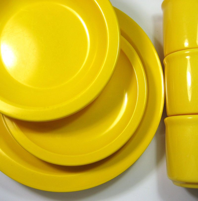 1970\u0027s Texas Dallas Ware Bright Yellow Melamine Plastic Plates Cups Bowl Dishes & 1970\u0027s Texas Dallas Ware Bright Yellow Melamine Plastic Plates Cups ...