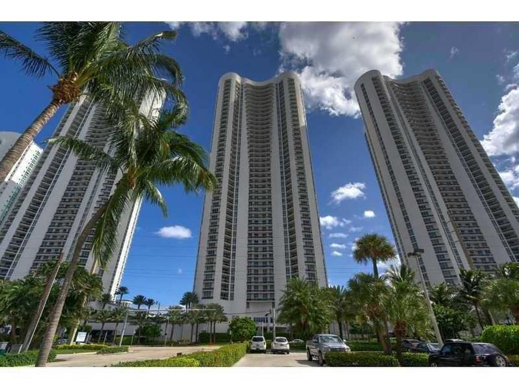 Trump Towers Of Miami Fl Trump Tower Sunny Isles Beach Condo