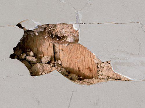 Repairing Damage To Plaster Walls Doityourself Com Plaster Walls Plaster Repair Plaster