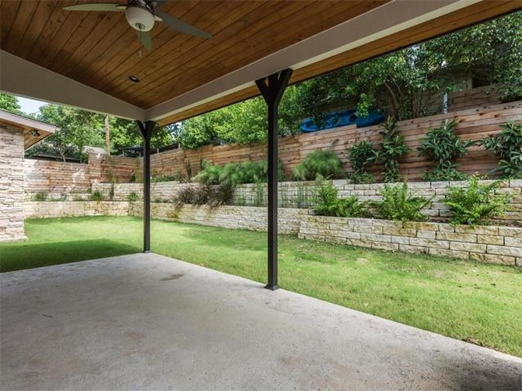 private backyard with lush landscaping 2210 greenlee dr austin