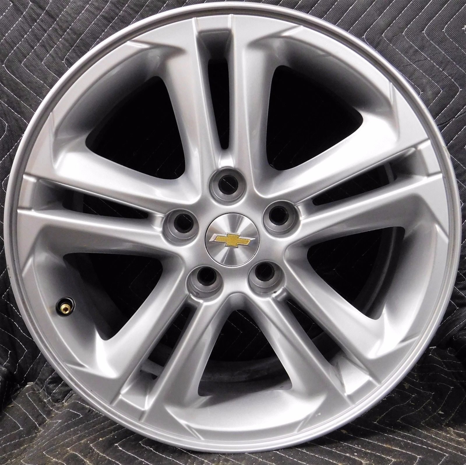 Chevy Truck Wheels >> 2016 17 Chevy Cruze OEM Factory Original 16 OE 13383410 Wheel Rim W/Center Cap | Car and Truck ...