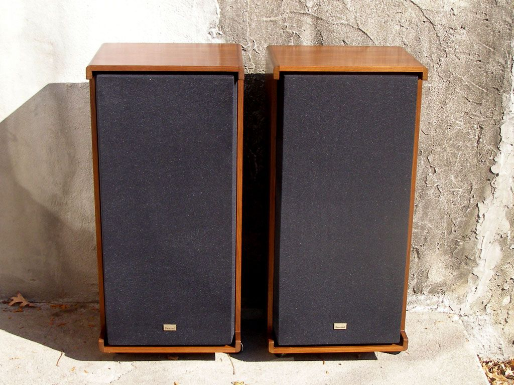 SEVENTIES STEREO: Sansui SP-L750s restored, regrilled, rephotograhed.