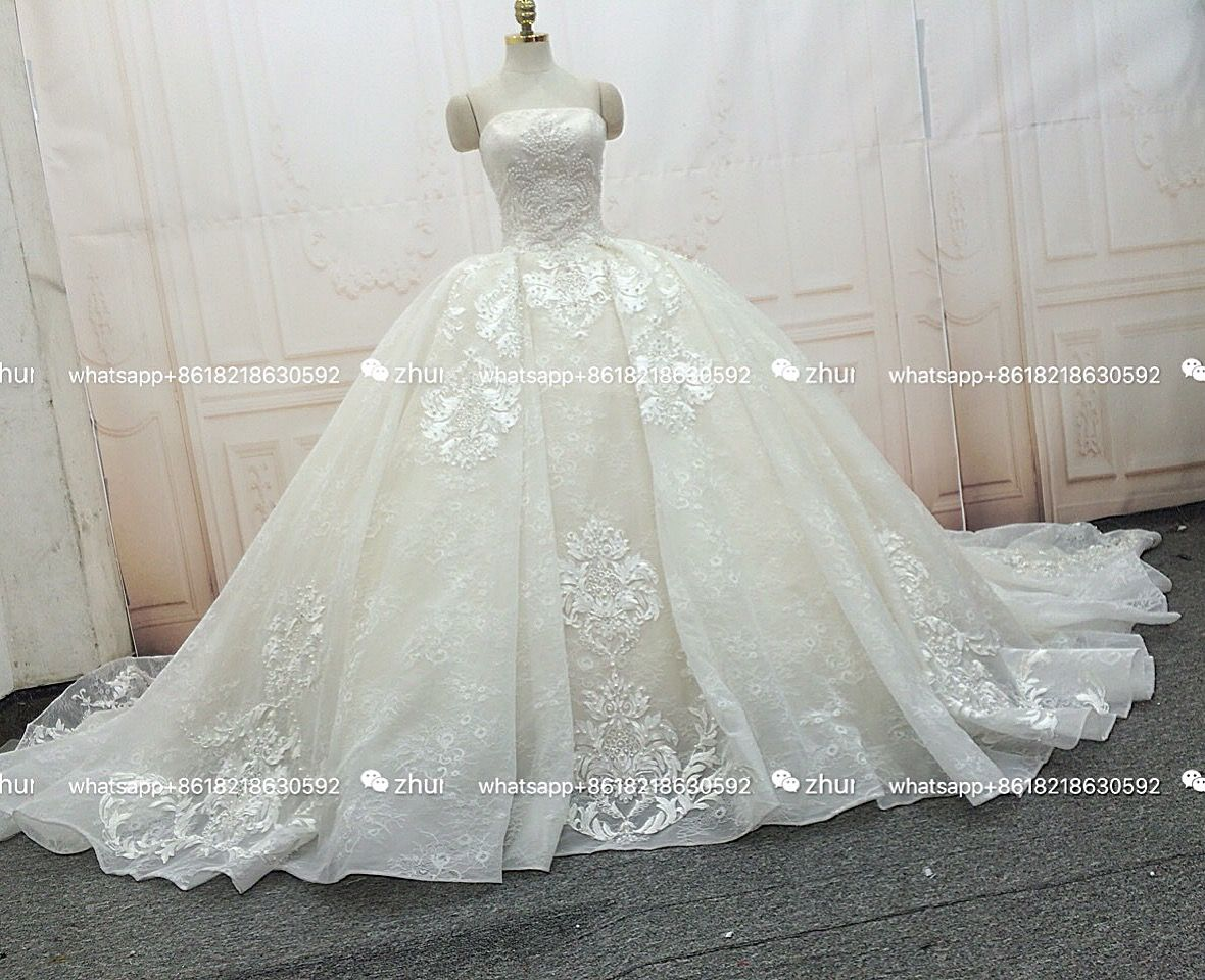 We sell, wholesale, custom, different styles of wedding dresses, skirts, flower girl dress. Welcome to choose#dress #weddingplanning #gorgeous #bridesmaid #bride#elegent  #hanutecouture #show  #wedding #weddingdress #beautifull #highfashion #bridalshower#design#ballgown #handwork #like4like #love #art #me  #amazing #bridetobe  #womenfashion #paris #photography #luxury #inspiration #dubai #paris #chill #ootd