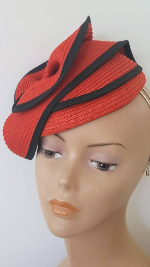 Red fashion hat 60a10f81a2d7