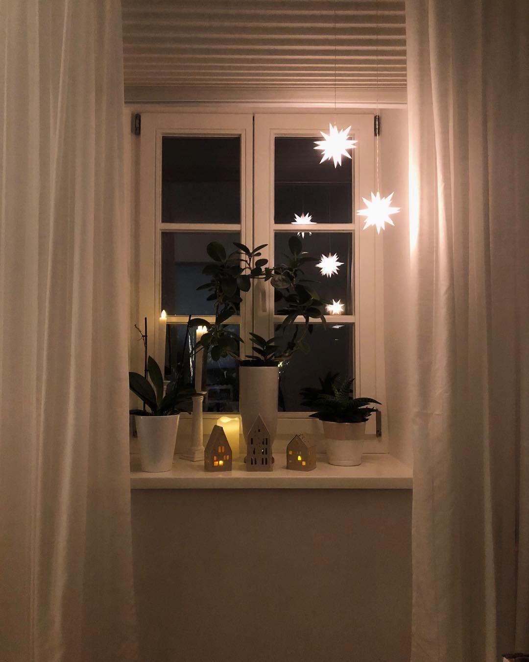"""ländlichundedel on Instagram: """"Oh du schöne Weihnachtszeit � Ich liebe die Lichter überall, meine Herrnhuter Sterne lasse ich sogar über den ganzen Winter hängen.…"""""""