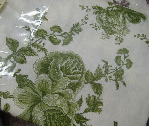 BETTER HOME 52x70 - Vinyl Tablecloth with Flannel Back - GREEN TOILE ROSES