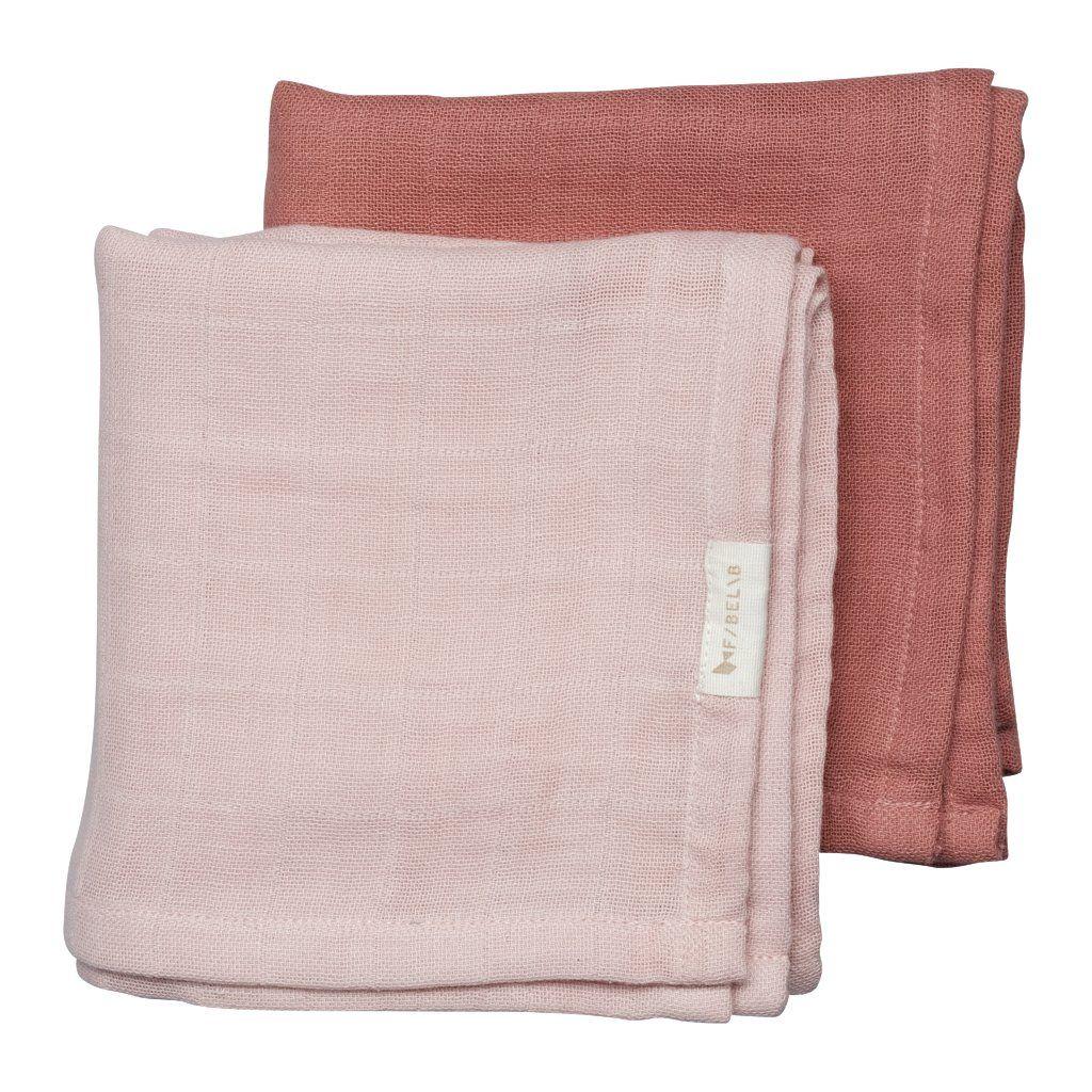 Muslin cloth set.