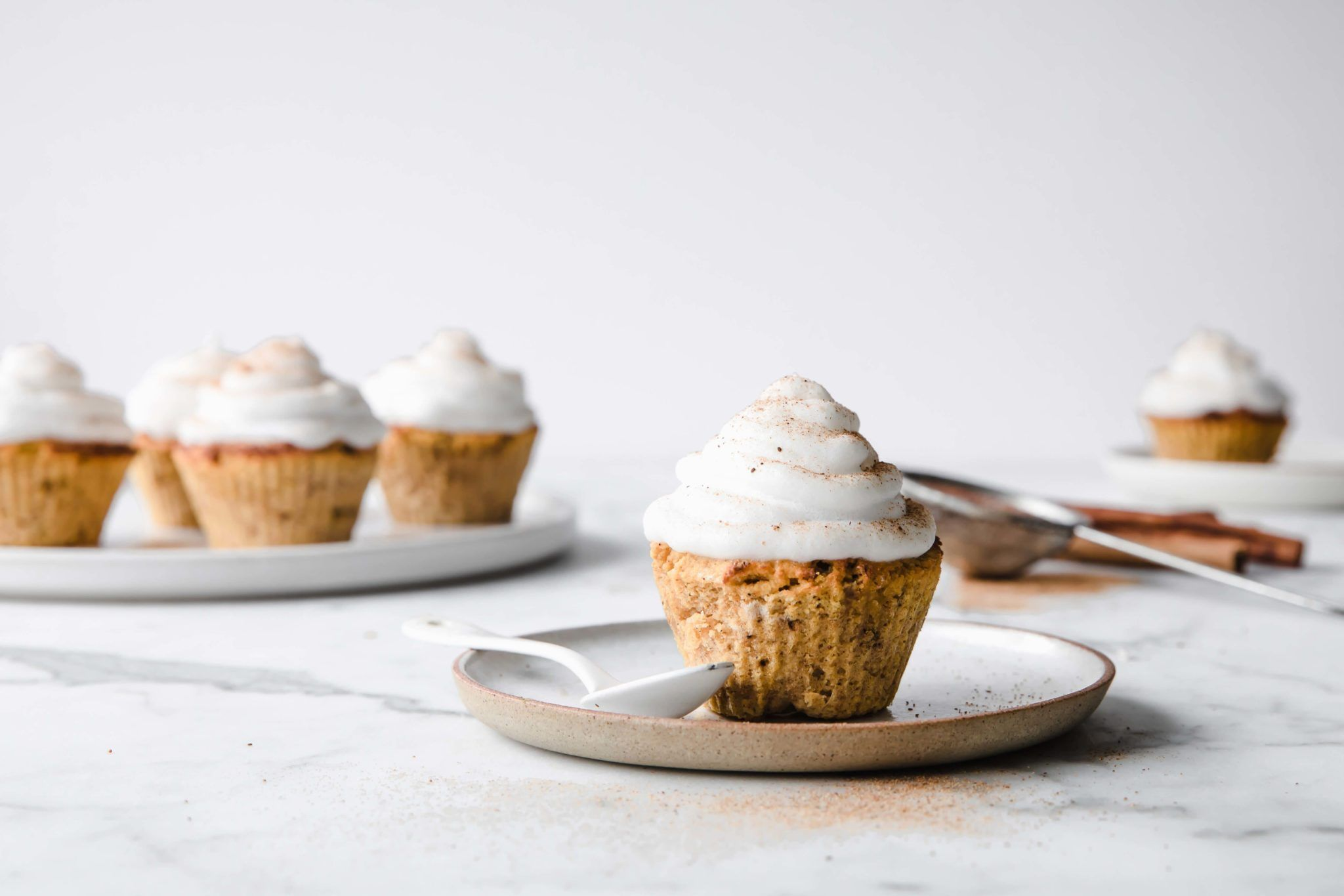 Keto pumpkin spice cupcakes with marshmallow frosting