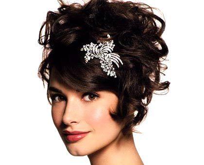 Peinados De Fiesta Pelo Corto Rizado Buscar Con Google Short Wedding Hair Short Hair Updo Formal Hairstyles For Short Hair