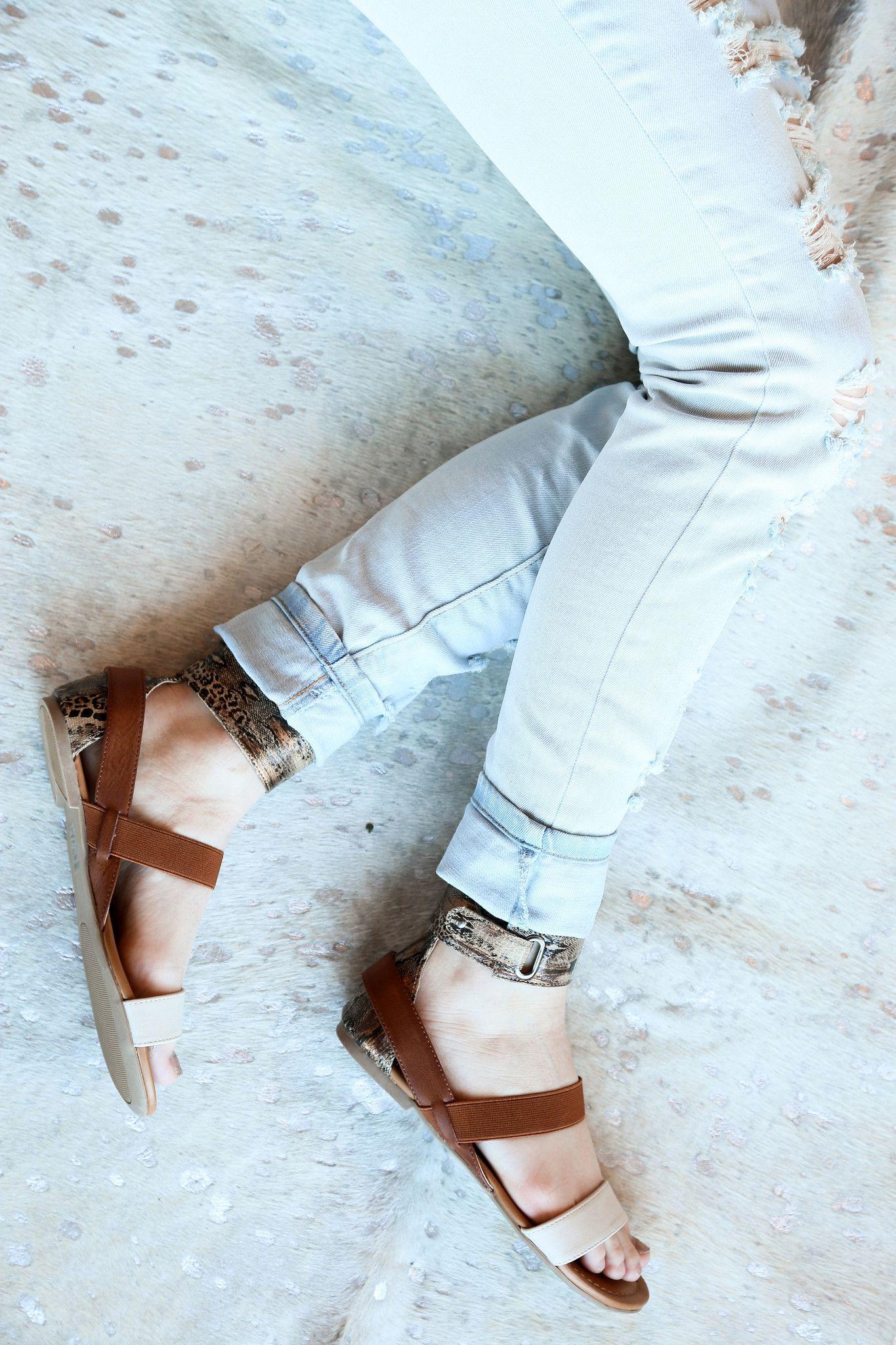 The Tria Sandal