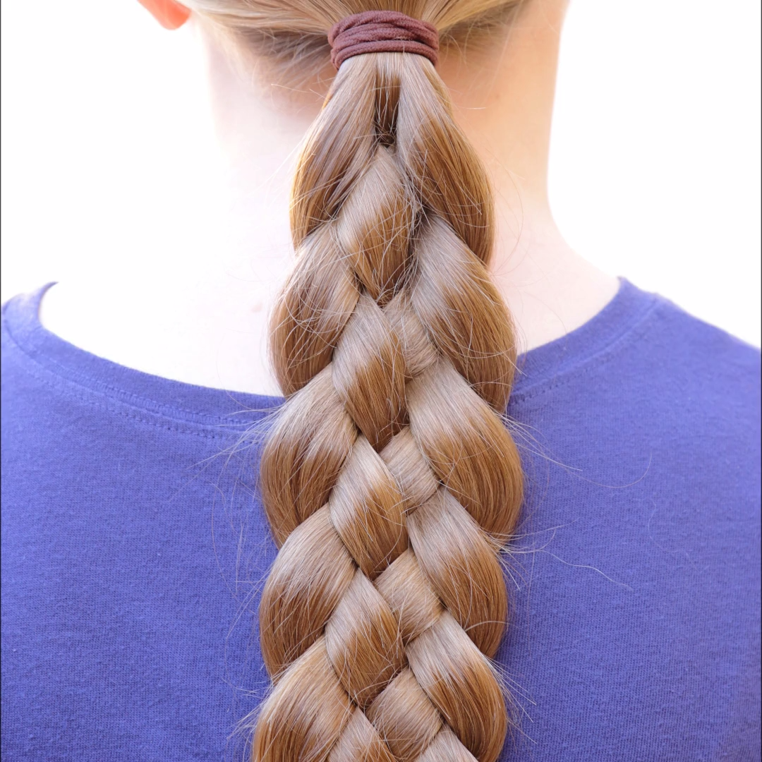 Cute Long Layered Haircuts With Bangs Layered Hairstyles For Long Hair Are Not All Alike And You Should Try Braids For Long Hair Hair Styles 5 Strand Braids