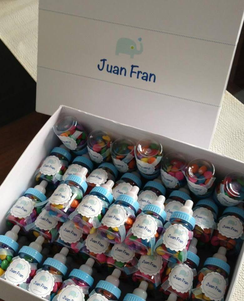 Caja con Souvenirs: Mini Mamaderas con confites de chocolate - Nacimiento Juan Fran