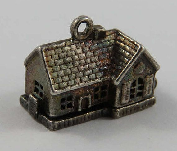 D opens to an anvil Vintage Sterling Silver Charm Nuvo Gretna Green Smithy