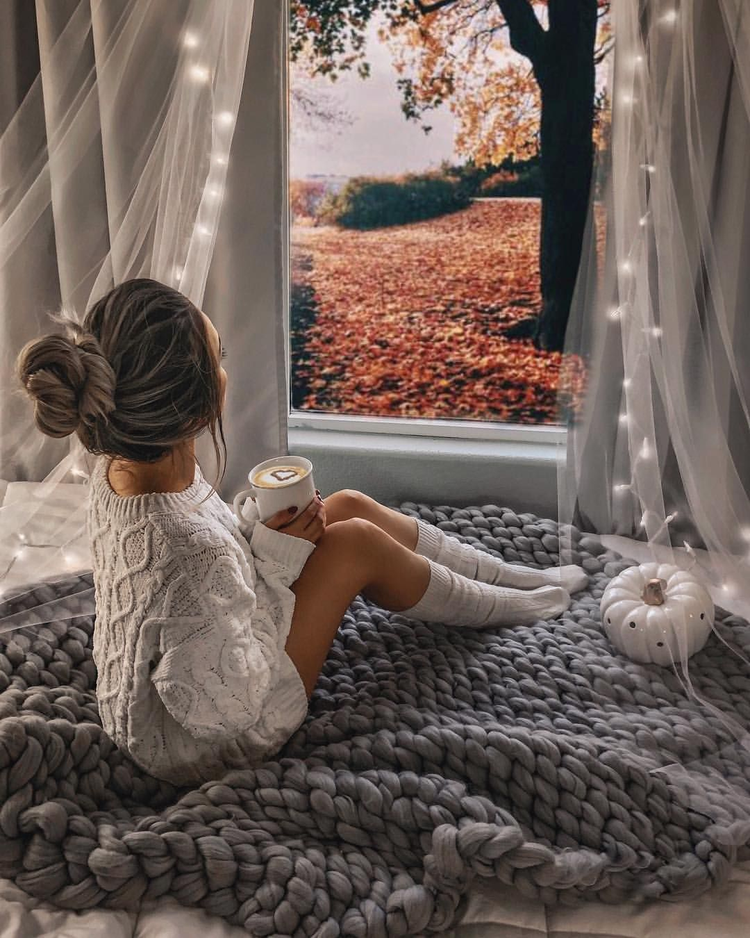 """Photo of evangelina on Instagram: """"☁️🍂🍁 happy sundayyy • Sitting on the coziest blanket from @comfywool 🧡 giveaway coming soon!"""""""