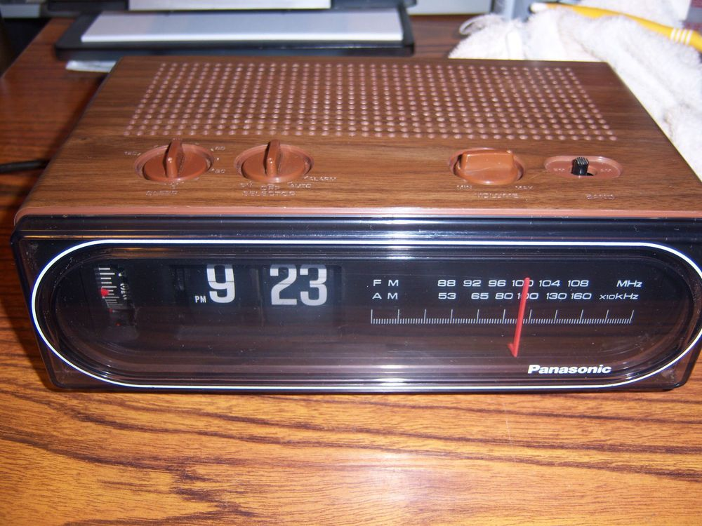3fa57c795184c Vintage Panasonic RC-6015 Flip Clock Back to the Future Clock RARE Great  cond.