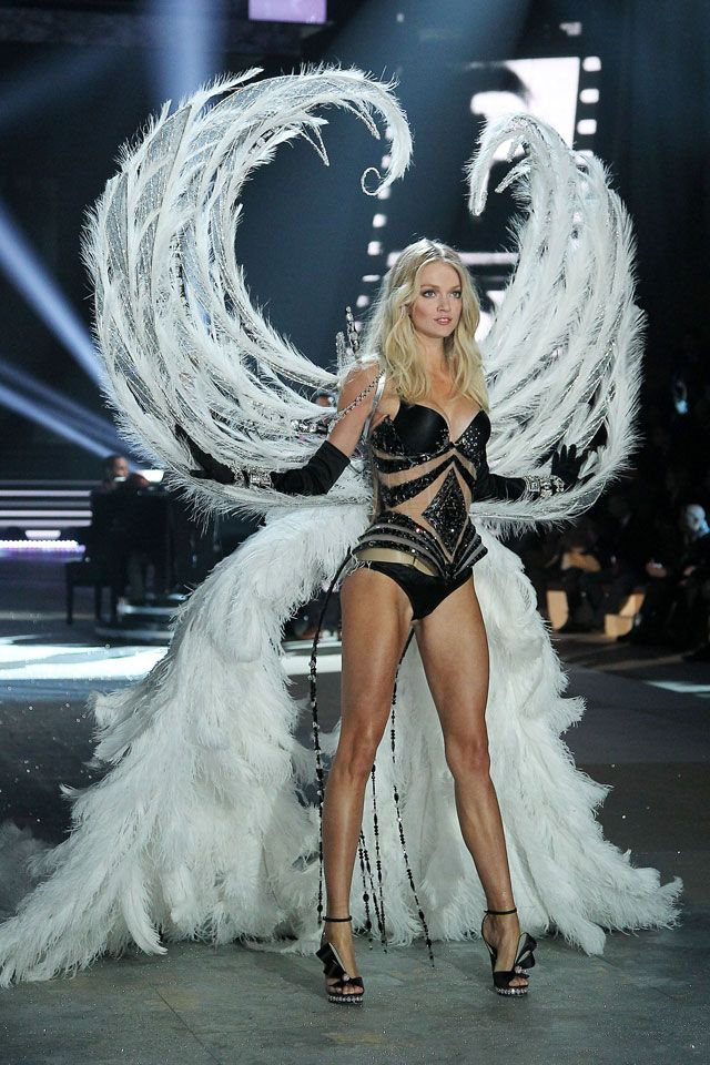 c68ccc9906 Lindsay Ellingson in black diamonds at Victoria s Secret Fashion Show