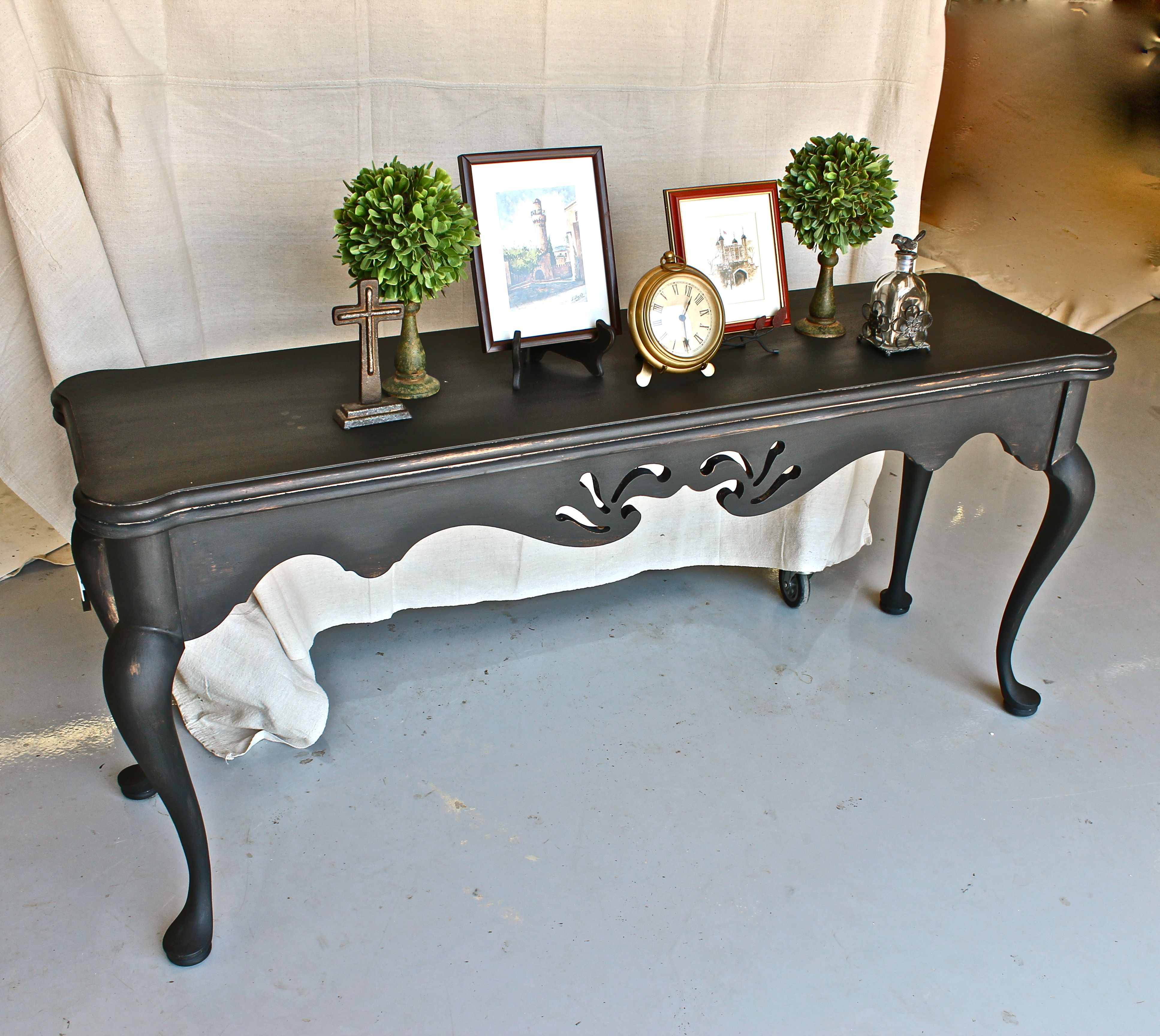 Sofa Table Painted With Graphite Chalk Paint Distressed And Then Sealed With Clear And Black Wax Done By Yeste Shabby Furniture Painted Table Chalk Furniture